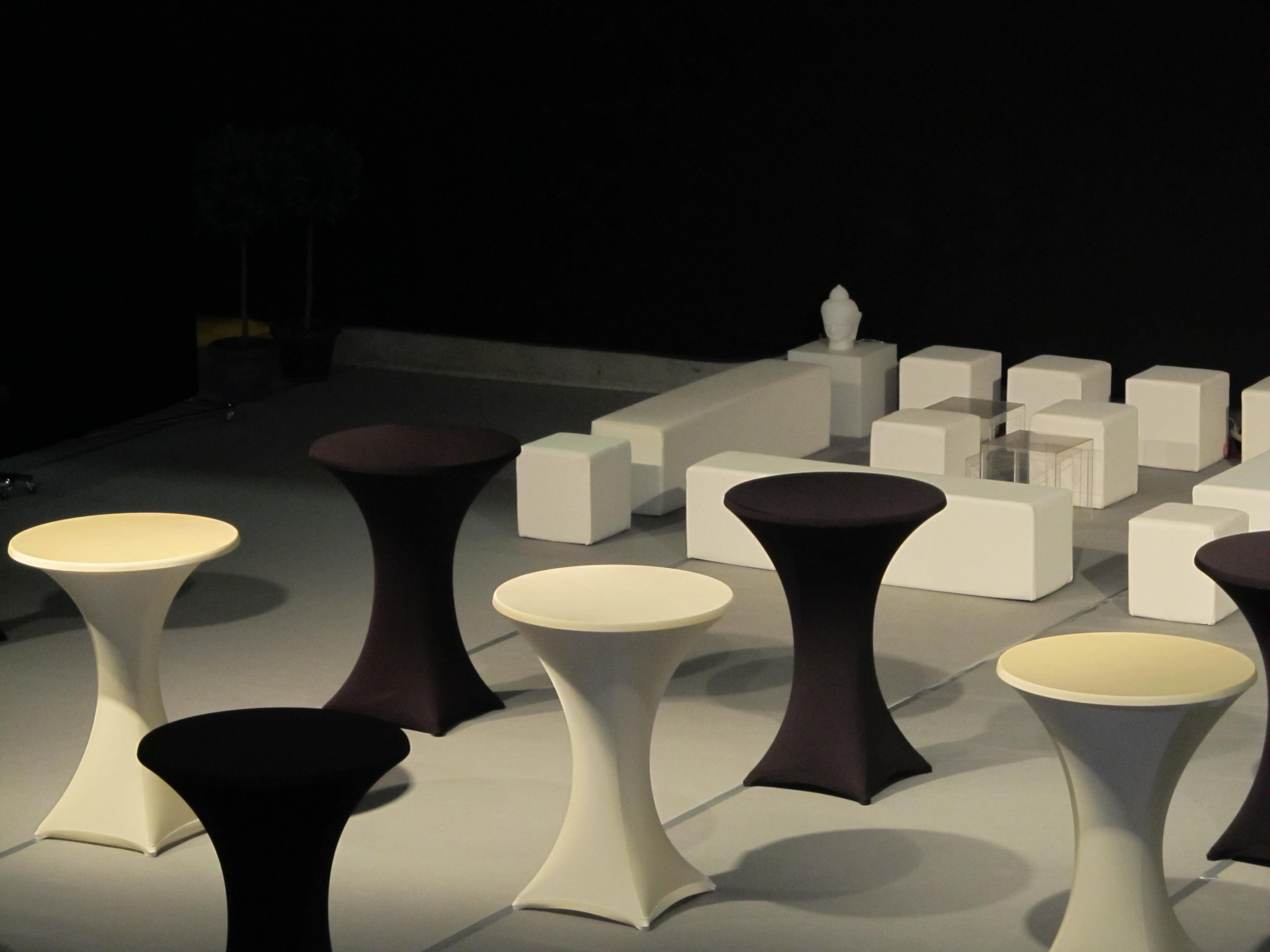 29 beau table haute blanche kdh6 armoires de cuisine. Black Bedroom Furniture Sets. Home Design Ideas